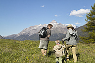 Family on a hiking trip - FSF00554