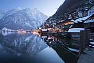 Austria, Salzkammergut, Hallstatt in winter - STCF00236