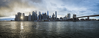 USA, New York City, skyline at sunset - STCF00260