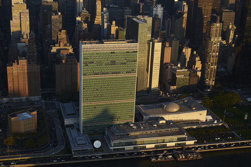 USA, New York State, New York City, business district, United Nations Headquarter - BCDF00164