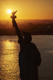 USA, New York State, New York City, View of Statue of Liberty - BCDF00177