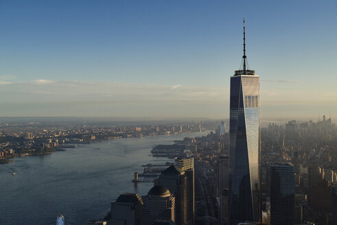 USA, New York, New York City, cityscape with World Trade Center and Hudson River - BCDF00194