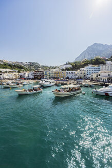 Italy, Capri, Harbour, excursion boats - THA01809