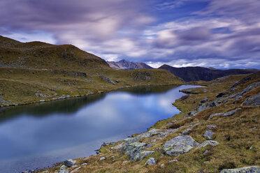Austria, Carinthia, Zweisee and mountains in Drau Valley - GFF00794