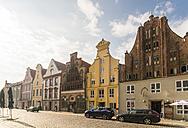 Germany, Mecklenburg-Western Pomerania, Stralsund, Muehlenstrasse, Old market, houses - TAM00674