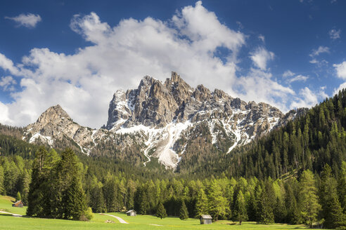 Italy, South Tyrol, Hochpuster Valley, Fanes-Sennes-Prags Nature Park, Braies Dolomites, Sarlkofel - STSF01105