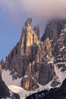 Italy, Province Belluno, Hochpuster Valley, Nature Park Tre Cime, Sexten Dolomites, Zwoelferkofel - STSF01108