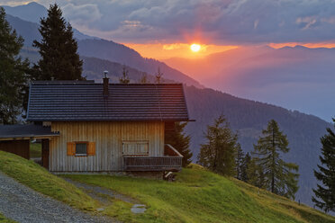 Austria, Carinthia, Emberger Alm and Drau Valley at sunset - GFF00808