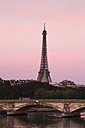 rance, Paris, Pont Alexandre III, Eiffel Tower in background, afterglow - FC01098