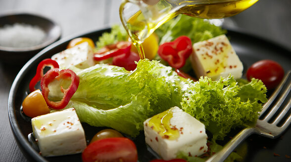 Feta salad with red bell peppers, tomatoes and olive oil - KSWF01766