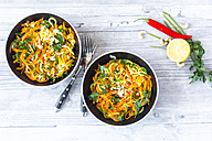 Garnished vegetable noodles in bowls - SARF03017