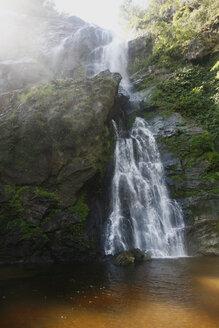Thailand, Kamphaeng Phet, Mae Wong National Park, Khlong Lan waterfall - ZCF00432