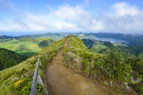 Portugal, Azores, Sao Miguel, Caldera Sete Cidades - RJF00628
