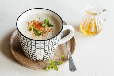 Vegetarian soup with coconut milk, apple and dates - EVGF03088