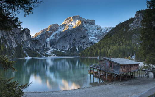 Italy, South Tyrol, Lago di Braies at sunrise - YRF00127