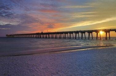 USA, Florida, M.B. Miller County Pier, Panama City Beach - SHKF00694