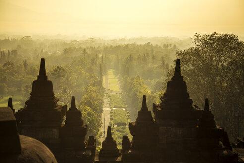 Indonesia, Java, Borobudur Temple Complex - KNTF00561