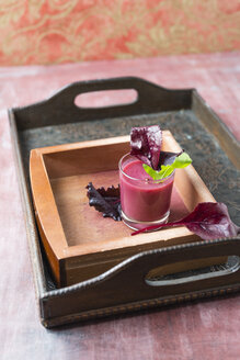Berry Smoothie with different sorts of lettuce - MYF01823
