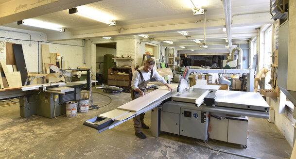 Carpenter's workshop - LYF00663