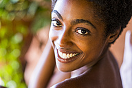 Portrait of happy young woman - SIPF01079