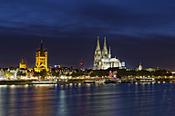Germany, Cologne, view to lighted Gross Sankt Martin and Cologne Cathedral - GFF00873