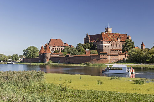 Poland, Pommerania, Malbork castle and Nogat river - MEL00163