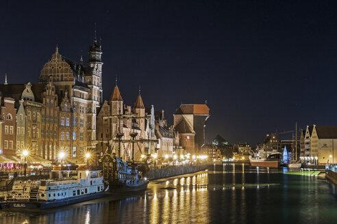 Poland, Gdansk, Old town and Motlawa river at night - MEL00166