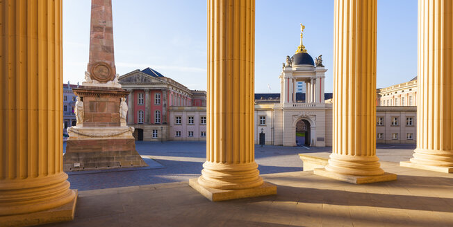 Germany, Potsdam, view to obelisk and City Palace with Fortuna Portal  from St. Nicholas Church - WDF03783
