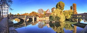 Germany, Nuremberg, view to Max bridge, Weinstadel, Water tower and Pegnitz river - VTF00562