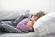 Little girl sleeping on couch - LVF05647