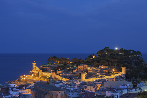 Spain, Costa Brava, Tossa de Mar, townscape at night - ABOF00133