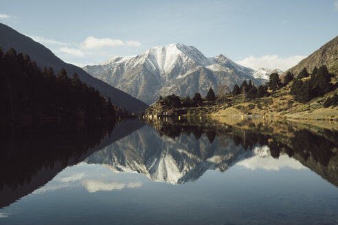 France, Pyrenees, mountain lake at Pic Carlit - KKAF00160