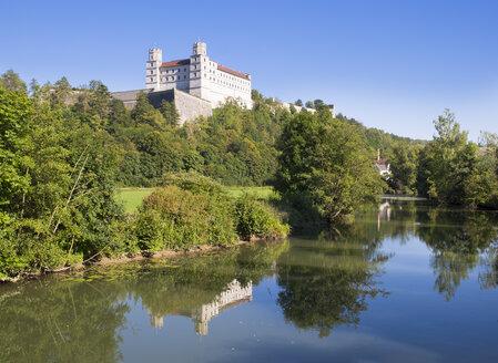 Germany, Bavaria, Altmuehl Valley, Eichstaett, Willibaldsburg and Altmuehl - SIE07175