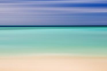 Maldives, sunrise on the island Gulhi - DSGF01258