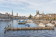 Switzerland, Zurich, view to the old town with Women's Minster, St. Peter and Great Minster - KEBF00444