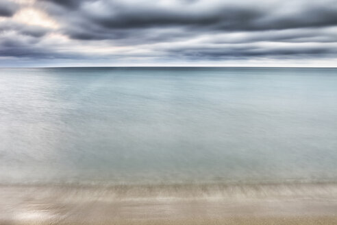 View from beach to ocean, long exposure - DSGF01354