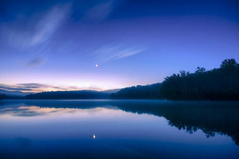 USA, North Carolina, Blue Ridge Mountains, Price Lake - SMAF00633