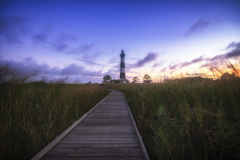 USA, North Carolina, Outer Banks, view to Bodie Island Lighthouse - SMA00642
