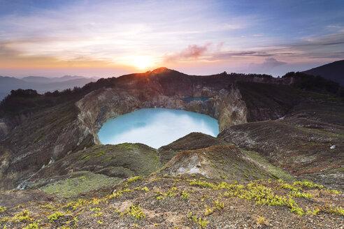 Indonesia, Nusa Tenggara Timur, Ende, crater lake Tiwu Nuwa Muri Koo Fai on Kelimutu - FPF00123