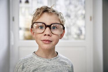 Portrait of boy wearing oversized glasses - RHF01767