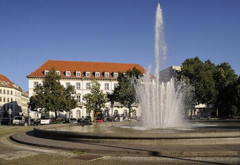 Germany, Dresden-Neustadt, fountain at Palaisplatz - BTF00470
