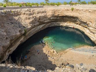 Oman, Dabab, Hawiyat Najm sinkhole - AM05190