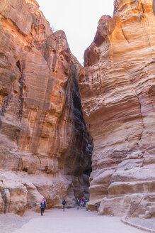 Jordan, Petra, The Siq, Entrance to the rock-cut city - MAB00435