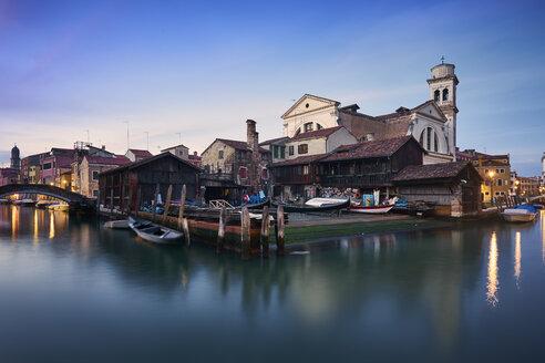 Italy, Venice, gondola factory - XCF00114