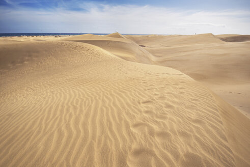 Spain, Canary Islands, Gran Canaria, sand dunes in Maspalomas - DHCF00028