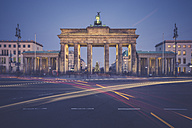 Germany, Berlin, Brandenburg Gate, Place of March 18 in the evening at Christmas time - ASCF00674