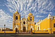 Peru, La Libertad, Trujillo, Plaza de Armas, Cathedral - FOF08623