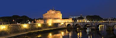 Italy, Rome, Castel Sant'Angelo at night - KLR00492