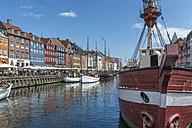 Denmark, Copenhagen, Nyhavn, canal - HWO00194