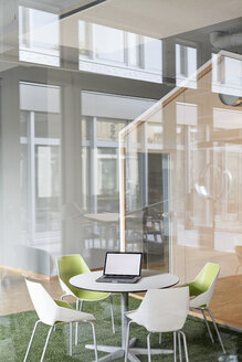 Modern office interior - PESF00489